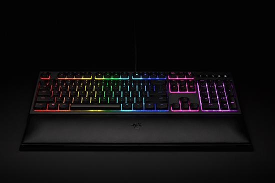 雷蛇发布机械薄膜键盘OrnataChroma 质感与效率并存