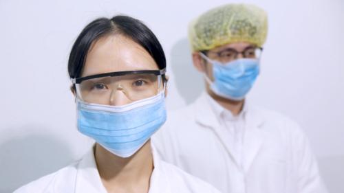 塑料制造商纷纷转向个人防护用品生产以对抗疫情