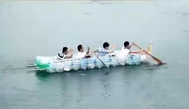 环保小制作坐小船